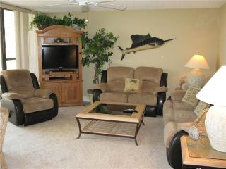 Gulf Front 2BR getaway, leather furniture #214GV, Sarasota