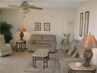 Cozy 2BR with leather furniture #412GV