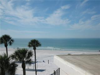 Stylish Gulf Front 2BR WITH King & Queen beds #413GF, Sarasota