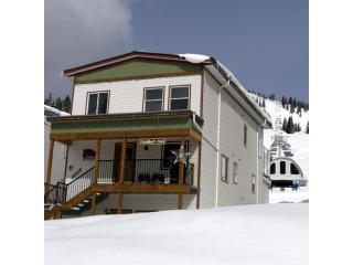 Ski-in / Ski-out - 2bdr Suite - Silver Star Resort