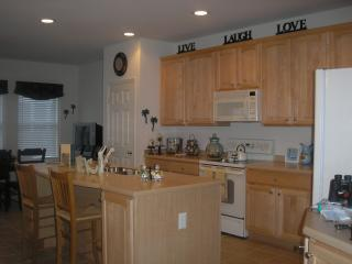 Fully equipped kitchen - all kitchen tools needed for large &small families - counter seating for 2