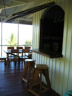 Breakfast bar & outdoor dining room