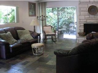 3 Br 3 Ba  Beverly Hills area Townhome, Los Angeles
