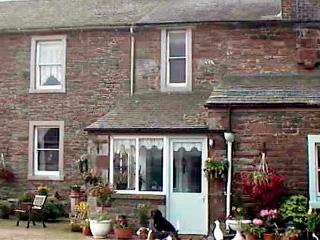 FOXGLOVES COTTAGE, pet friendly, character holiday cottage, with a garden in Wigton, Ref 507