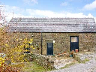 GLEN COTTAGE, pet friendly, country holiday cottage, with a garden in Longnor, Ref 2413 - Longnor vacation rentals