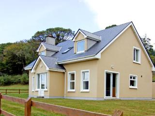 KILMURRY HEIGHTS, family friendly, country holiday cottage, with a garden in Kenmare, County Kerry, Ref 3660