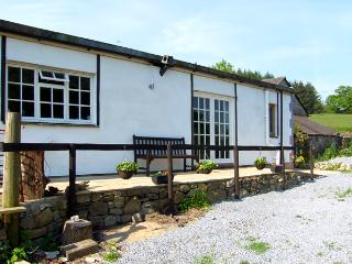 LLAETH COTTAGE, pet friendly, character holiday cottage, with a garden in Golden Grove, Ref 2459, Llandeilo