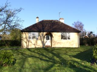 MAYFIELD, family friendly, character holiday cottage, with a garden in All Stretton, Ref 2790