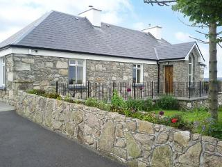 PRAGUE HOUSE, family friendly, character holiday cottage, with a garden in Lettermore, County Galway, Ref 3647