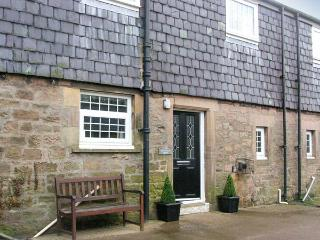 SHEPHERDS NOOK, family friendly, character holiday cottage, with a garden in North Charlton, Ref 1362, Alnwick