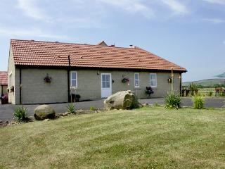 WILLOW'S STABLE, country holiday cottage in Longframlington Near Alnwick, Ref 1923