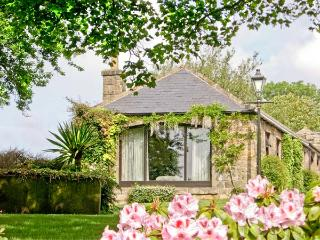 STUBBEN BARN, family friendly, country holiday cottage, with a garden in Handley, Ref 2989, Chester