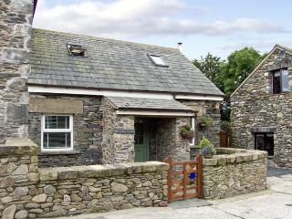 THIMBLE COTTAGE, romantic, luxury holiday cottage, with open fire in Pennington Near Ulverston, Ref 2965