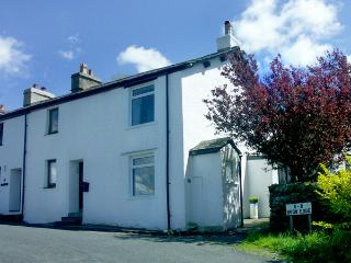 WHITEHOLME COTTAGE, family friendly, character holiday cottage, with a garden in Backbarrow, Ref 1441, Ulverston
