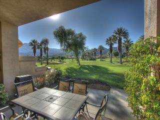Beautiful property with golf course & mountain view, La Quinta