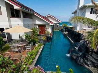 Kailua-Absolutely Oceanfront-Waterfall Pool-$220