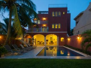 Summer Place Inn sleeps from 1 to 16 persons., Cozumel