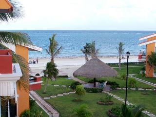 Our Caribbean sea view - Delightful two bedroom beach condo close to town - Puerto Morelos - rentals
