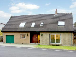 TE BHEAG, pet friendly, country holiday cottage, with a garden in Newtonmore, Ref 1634