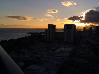 Wow- Sunset Ocean Vws from this PENTHOUSE studio, Honolulu