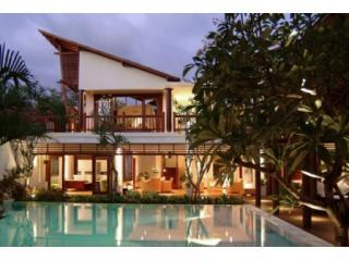 Luxurious 6 BR Villa Casis, 200m to Sanur Beach