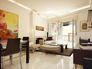 Luxury apartment in the heart of town-free parking, Lisbon