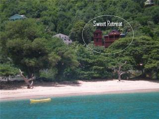Sweet Retreat Hotel Apartment - Brown Room - Bequia, Lower Bay