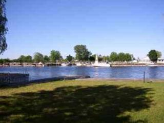 Charming AuSable River Cottage - Beautiful & Clean, Oscoda