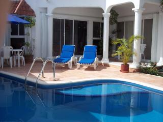 Cozumel, private pool, internet, vonage,close twn
