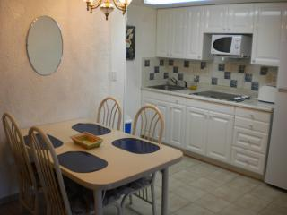 Cook in your large, fully equipped kitchen in your 1ST SOLYMAR OCEAN VIEW CONDO!Everything you need.