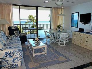 Maui dream vacation at oceanfront studio, Lahaina