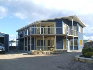 St Helens on the bay - St Helens on the Bay ,Tas Australia  s/c apartment - Saint Helens - rentals
