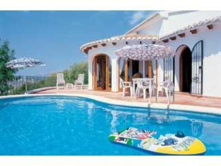 Villa Carob, pool, air-con, wifi, nice view, Teulada