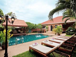 Pattaya - Baan-Chatmanee Villa 4BED - Pattaya vacation rentals