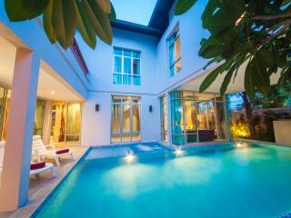 Pattaya - Jomtien Waree 5Bed - Pattaya vacation rentals