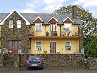 4 BELL HEIGHTS APARTMENTS, family friendly, with a garden in Kenmare, County Kerry, Ref 3736