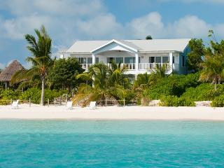 Crystal Sands Villa on the Beach!   2-4 Bedrooms!, Providenciales