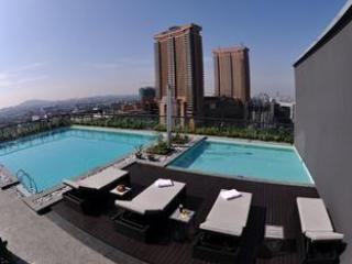 Roof top swimming pool with amazing view of KL City