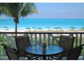 Royal West Indies  -  Superior Beachfront Suite, Providenciales