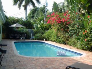 Spacious,Upscale 4/3,Heated Pool,WI-FI,Sleeps 8-10, Fort Lauderdale