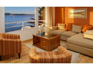 Luxury 3 bedroom condo in front of the Lake (AF7), San Carlos de Bariloche