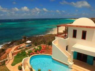Privacy, relaxed elegance and exquisite views- this villa is steps from the beach. IDP BLA, Anguila