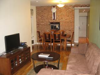 Renovated 2BR Loft on UWS sleeps 4-9 people - Manhattan vacation rentals