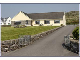 Beachmount House Selfcatering WIFI, Dingle
