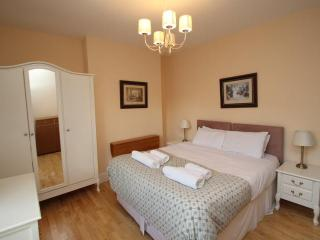 West Kensington One Bedroom Second Floor Apartment - London vacation rentals