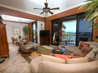 Great room-vaulted ceiling-Asian-Pacific decor