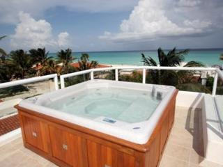 Millon Dollar View Beachside Villa - Azul Caribe, Playa del Carmen