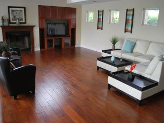 Large Open Living Room View w/Plasma Television