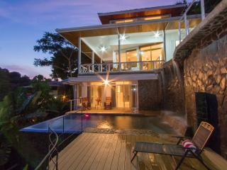 Casa Papillon; sleeps 10 w/apt Unique Private Pool, Manuel Antonio National Park