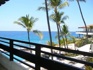 SUMMER SPECIAL $130 NIGHT - 5 NIGHT MINIMUM - ALMOST OCEANFRONT!! #317, Kailua-Kona